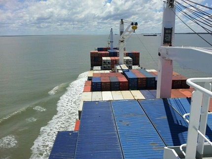 Destacadas visitas en nuestro Puerto