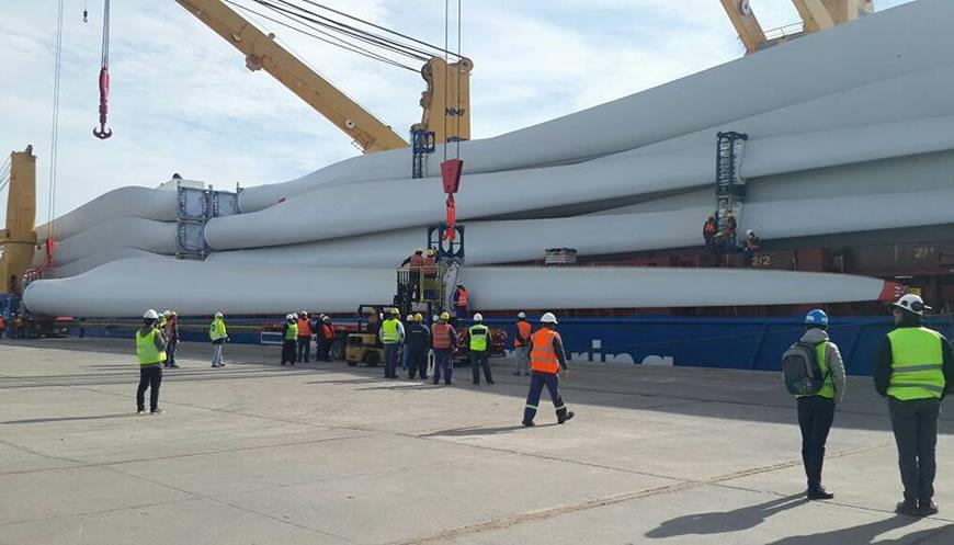 Comenzó el arribo de los aerogeneradores para los parques eólicos de la región