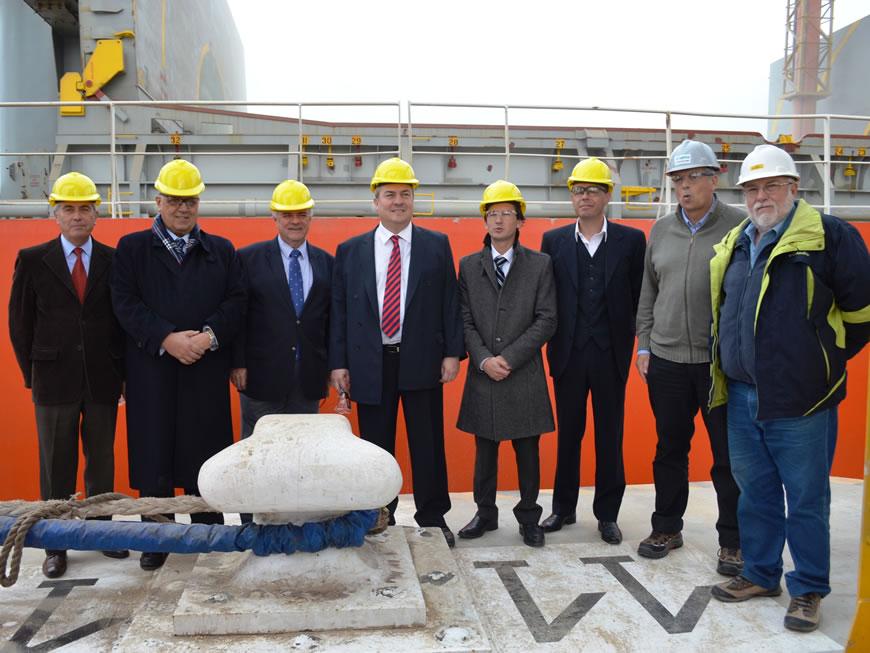 Visita del Ministro de la Producción al nuevo muelle de Toepfer